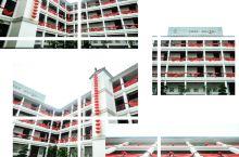 百子围——客家围楼式酒店  百子园,位于广东河源万绿谷景区内,是一幢客家围楼式的建筑,前湖后园,周边