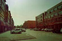 蒙西工业园,很小的小镇,当地人不多,都是外来人。