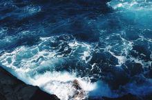惊险的一天——茂宜岛的冒险  【徒步攀登】 在夏威夷有一个纳卡勒勒喷孔,是一个原生态的地方。于是,我