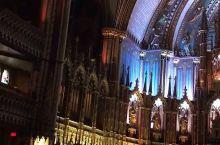 """北美最大的教堂建于1829年,当地人亲切的称之""""小巴黎圣母院""""! 加拿大著名歌手席琳·迪翁也是在这里"""