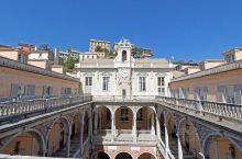 这里的历史很不错,还有很多的特色建筑风格。