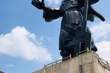 会稽山在绍兴市区东南6公里 是大禹娶妻封禅之地 大禹陵所在 公元前2198年 夏禹大会万国诸侯于绍兴