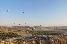 我在埃及也体验过热气球 在卢克索升起看帝王谷全景,飞越尼罗河看绿洲 卡帕又是另外一种完全不同风格 高