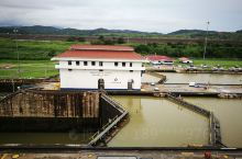 巴拿马运河,米拉弗洛雷斯(望花)船闸