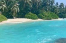 蜜月之旅-库拉玛缇岛 岛屿特点:最长拖尾沙滩 登到方式:快艇一小时 我和老公是第一次来海岛,被马尔代