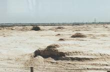 """布隆吉雅丹地貌,俗称""""人头疙瘩"""",位于嘉峪关去往敦煌的连霍高速沿线古疏勒河的河道上,东西向展开,南北"""