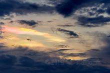 萨里湖云缝间滴瞬变