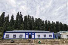独库公路 独库公路是从独山子到库车的公路,位于新疆,是中国公路建设史上的一座丰碑,它的贯通,使得南北