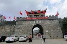 多年后重返晴隆安南小镇,虽然小镇显得有些陈旧,但还是吸引了不少的外地游客来。