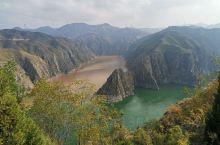 """黄河与洮河的汇流,从此黄河不再""""清白"""",同流""""合污"""",黄河真的变成了""""黄河""""。照片中那条黄色的河是洮"""