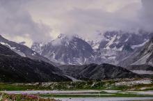我和我的祖国:318国道到聂拉木段有个牛奶河,走到山谷里能远眺希夏邦马峰