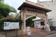 马来西亚掠影(4)-马六甲鸡场街     马六甲是一个多元文化的古城,著名的鸡场街是华人聚集地,有众