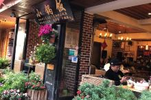 到丽江旅游,肯定要好好的享受当地的特色美食,这边纳西族居多,纳西美食很著名的,必须要好好地想一些当地