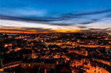 里斯本 山上圣母观景台  葡萄牙狭长的国土宛若一叶扁舟泊于大西洋岸,而首都里斯本恰如其舷窗,它位于欧