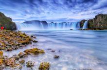 神之瀑布 ·众神瀑布位于一号环岛公路沿线· ·钻石圈中的一个景点· ·钻石圈还包括了米湖地区(Mýv