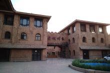 在吐鲁番老城路上的一个景点,外形看着很不错,但没能进入,留下了遗憾。