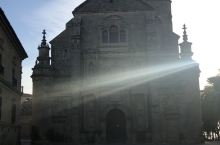 乌贝达的世界救世主教堂是一座独特的文艺复兴时期的建筑