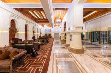 8月份去海边度假去的葫芦岛凯丽酒店,离海边走路20分钟的路程,房间很干净,服务好,属于商务休闲酒店,