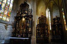 小城库特纳霍拉因圣巴巴拉教堂而被列入世界文化遗产,新哥特式建筑圣巴巴拉教堂,是欧洲最有名的天主教堂之
