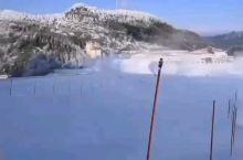 置身于被雪地包围的滑雪场—— 缆车已就位 神农架国际滑雪场