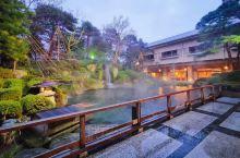 下吕温泉与有马、草津并称日本三大古老名泉,在百年历史的水明馆泡泡美人汤,肌肤光滑细腻无比,泡完再来瓶