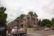 剑桥大学之一。剑桥大学(University OfCambridge),是一所世界顶尖的公立研究型大