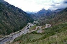 美丽的天山独库公路。