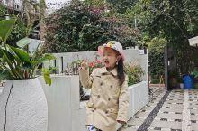 花筑·厦门罗马假日海景度假别墅  ,院子环境非常不错,离小吃街也很近