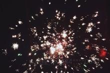 祝大家新年快乐 万事吉祥  出门记得戴口罩 注意开窗通风  加油武汉 加油中国