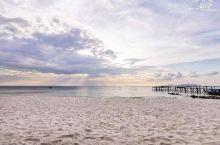 【2020年就去大马梦幻海岛浪中岛一起夏日乐悠悠囖】  浪中岛位于停泊岛和热浪岛中间是一个游客少一切
