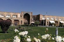 波斯游迹  之  伊玛姆广场&大巴扎  已被列入世界文化遗产名录,是世界上第二大广场,仅次于天安门。