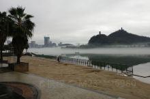 金沙角,金沙角 风景这边独好, 夏天游泳好地方, 戏水玩沙特别欢, 冬天赏景也不错, 赶上今天特别雾