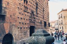 自驾路过西班牙的一个小城市萨拉曼卡,别眼前华丽丽的建筑物惊呆了,小小游玩攻略送给你!  坐标:萨拉曼