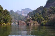 丹霞山随手拍系列3-翔龙湖  翔龙湖 作为丹霞山地质公园内的一个景区,位于长老峰南侧,因外形酷似一条