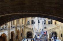 自然博物馆,建筑美仑美焕,藏品珍贵充实。 伦敦自然史博物馆1881年正式对外开放,而实际上加上前身的