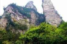 张家界森林公园金鞭溪全长7.5公里,一般游览时间在2个半到3个小时左右,因途径