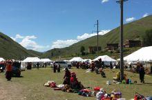 路过时,正好赶上藏民自己的节日,欢歌载舞15天