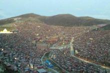 喇荣五明佛学院是色达县最有名的景点,红教的圣地,漫山遍野的红色房子,夜景也很漂亮