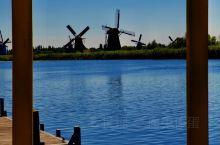 小孩堤防(Kinderdijk)离鹿特丹约15公里,1997年被列入联合国教科文组织世界遗产名录。这