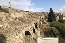 庞贝古城,被火山灰封存数千年的活化石!令人惊讶的是那个时候的意大利文明已经达到的程度。街道布局合理,