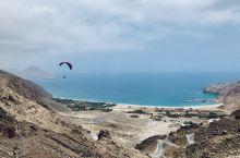 我在一半海水一半沙漠的阿曼飞滑翔伞入住Six Senses