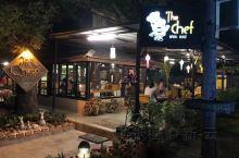 看有人推荐过这家,能满足所有对泰餐的要求。位置也好找,就是在古城比较中心的地方,椰子鸡的香甜,还有特