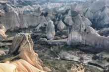 """地处卡帕多奇亚的格莱美小镇,以其奇特的地面景观著称,有人把这个地方称之为""""外星人遗落在地球的村庄""""。"""