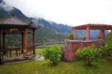 靖安境内多山,植被覆盖率非常高,山谷、小河、溪流众多,景色优美。