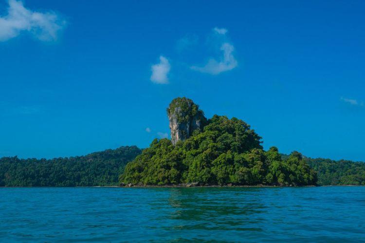 Dayang Bunting Island2