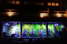 两江四湖包括了桂林市中心区的漓江、桃花江以及杉湖、榕湖、桂湖、木龙湖,是桂林城市中心最优美的环城风景