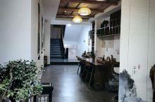 陕西西安河畔精选酒店,位于下马陵6号,酒店整体复古风,精巧的设计及装修,是文艺小资的代表,我们所预订