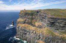 莫赫归来不看崖。爱尔兰之行最让人惊心动魄,最让人念念不忘的非莫赫悬崖不可。也是世界上最高的悬崖,全程