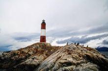 这是一个独立又坚强的神秘之塔 我跟我的朋友是自驾游过来这里旅行的,据说这个灯塔是被称为世界的尽头灯塔