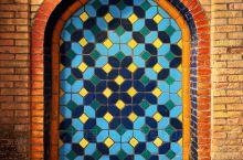 斑马公社是由一对成都情侣打造的一个喀什民俗文化角,两位主人致力于挖掘、纪录与展现南疆旅游文化,不定期